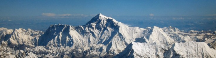 cropped-mount_everest_as_seen_from_drukair2_plw_edit.jpg