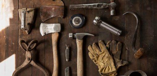 construction-work-carpenter-tools-1-680x329
